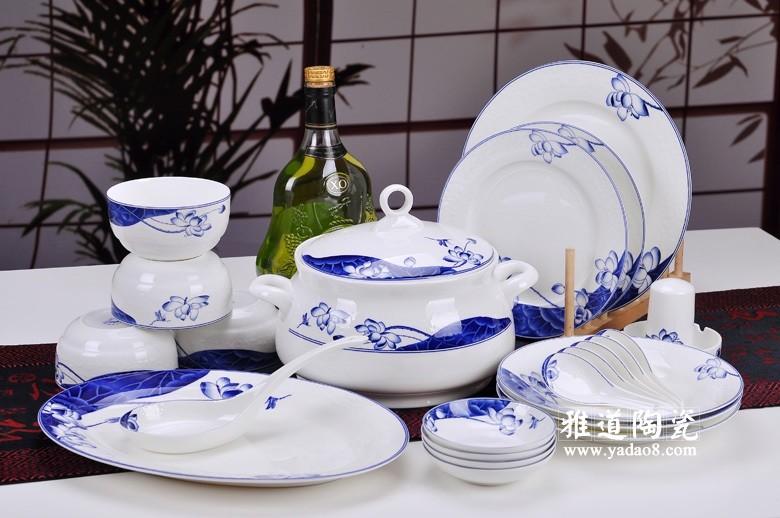 荷塘清韵青花餐具
