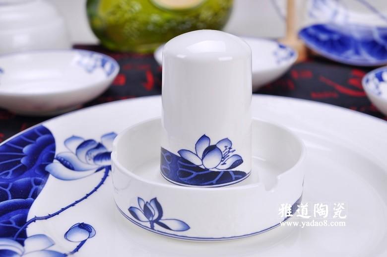 荷塘清韵青花餐具-牙签筒