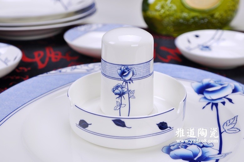 花样年华青花瓷餐具-牙签筒
