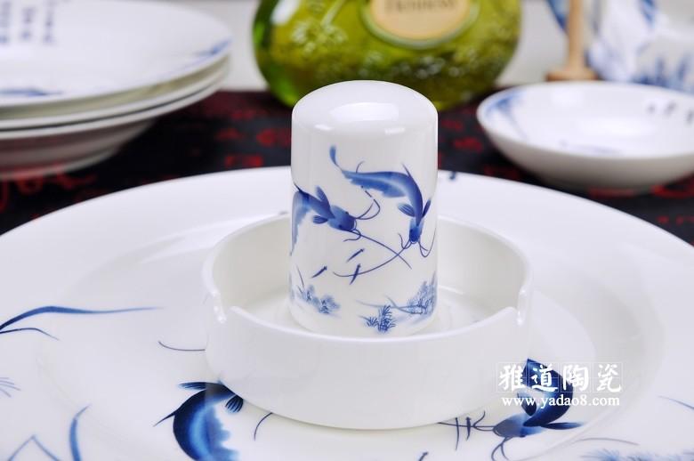 景德镇青花瓷餐具套装(年年有余)