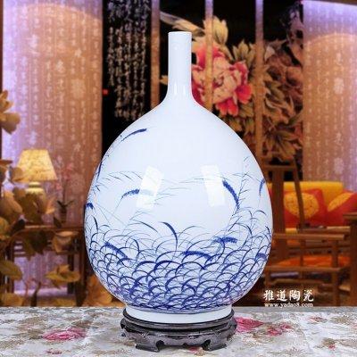 手绘青花瓷花瓶 周华兰作品 秋韵