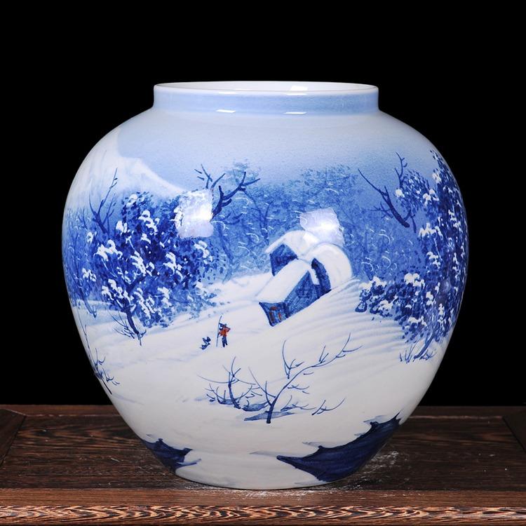 黄志勇大师手绘青花瓷花瓶花插寒江雪