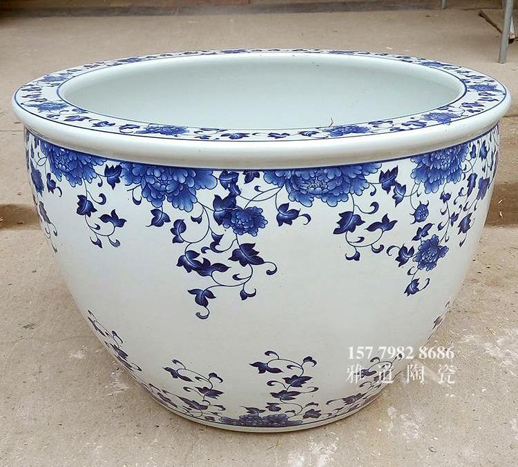 青花陶瓷缸款式五