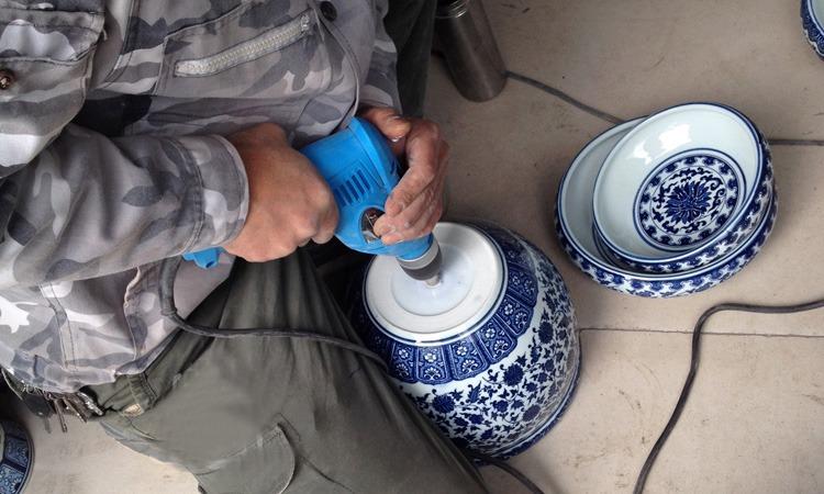 青花陶瓷大缸打孔服务