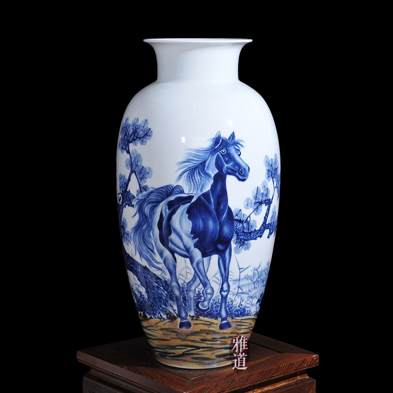 工艺品陶瓷花瓶王云喜手绘马到成功