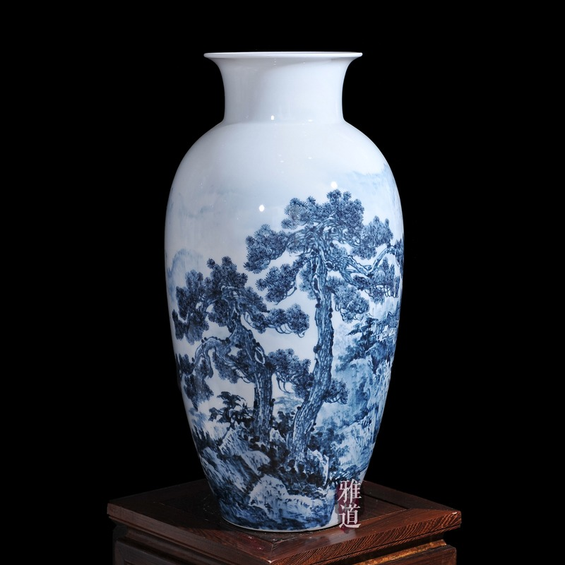 景德镇陶瓷花瓶王云喜手绘青花瓷古松乡情-侧面