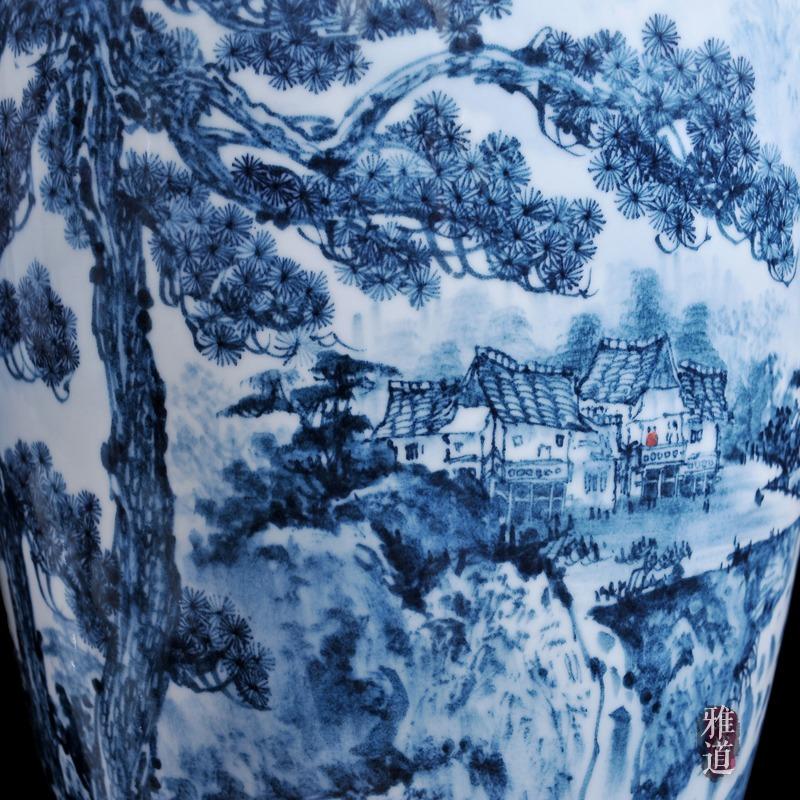 景德镇陶瓷花瓶王云喜手绘青花瓷古松乡情-特写
