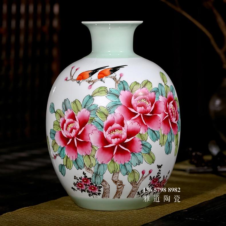 景德镇大师手绘牡丹客厅花瓶工艺品摆件