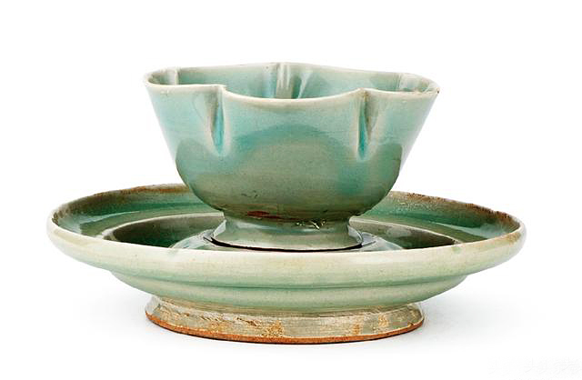 仿金银器五曲花口杯 收藏于西安柴窑文化博物馆
