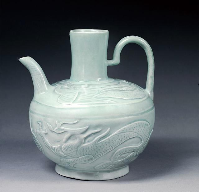 双龙双凤壶 收藏于西安柴窑文化博物馆
