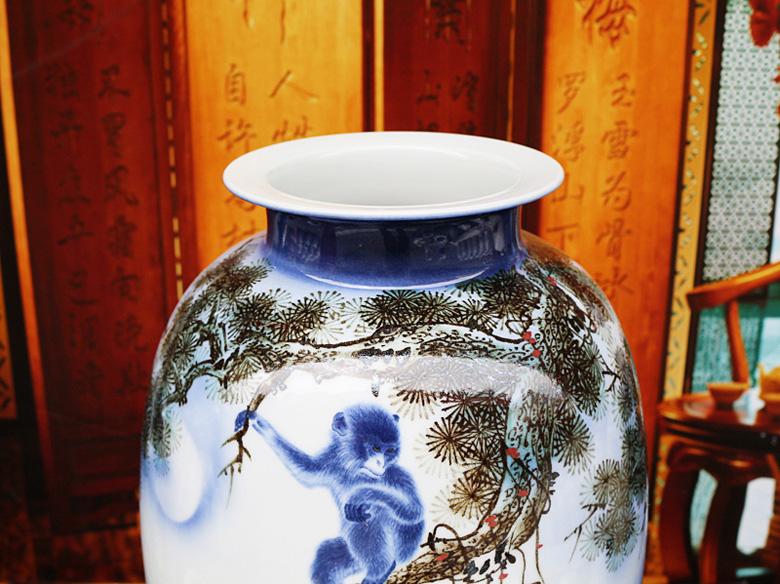 景德镇名家手绘客厅花瓶摆设(马上封侯)