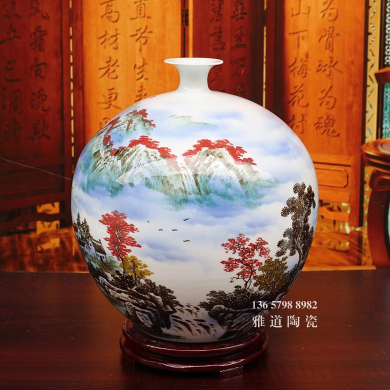 景德镇名家手绘山水艺术陶瓷花瓶摆件