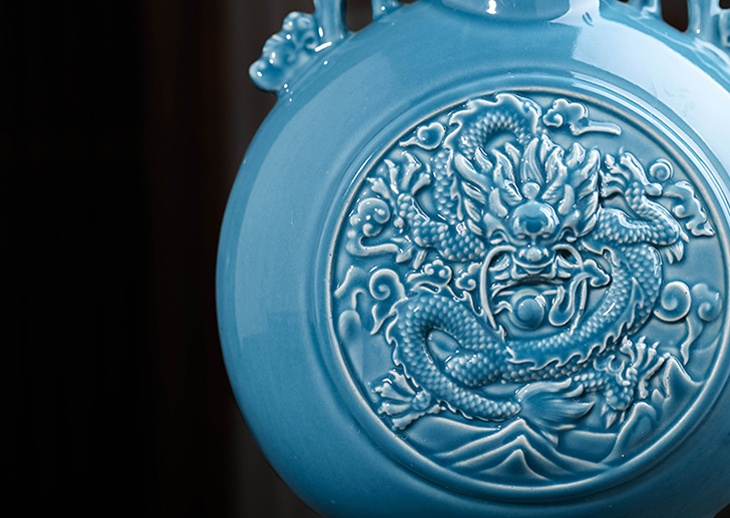 复古浮雕龙纹陶瓷酒坛(鸿运当头)