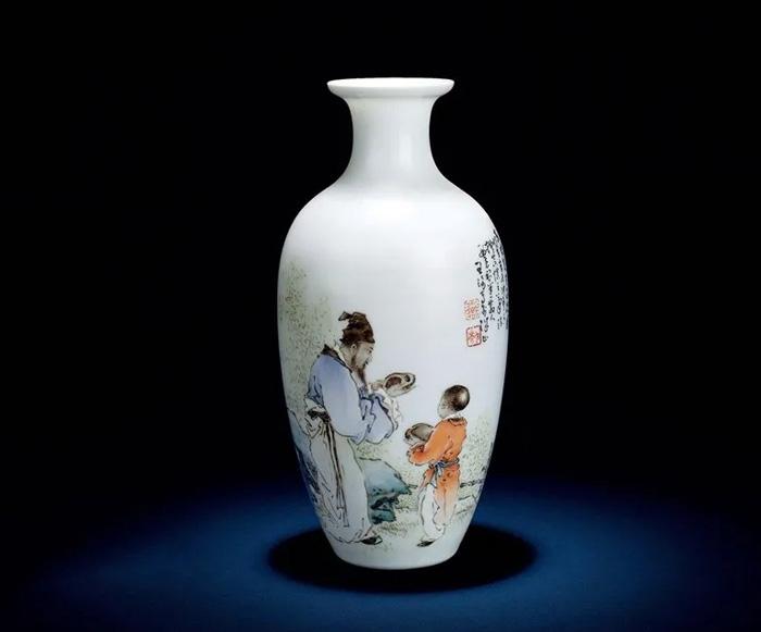 民国王琦粉彩东坡赏砚图瓷瓶