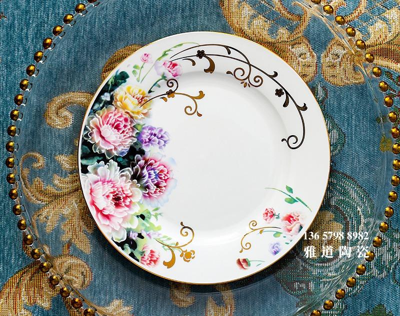 景德镇58头金边骨瓷餐具套装(雾里看花)