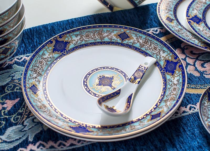 景德镇60头欧式骨质瓷餐具(赤金时代)