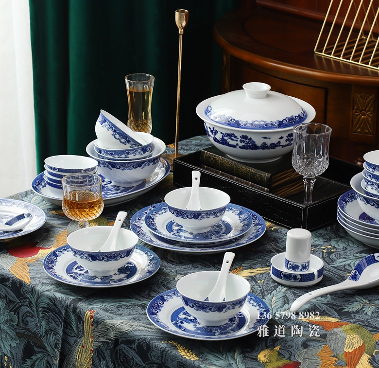 56头家用中式陶瓷餐具套装(青花园林)
