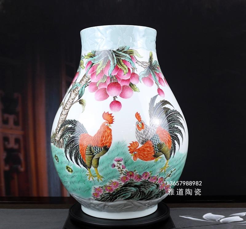 俞金喜手绘粉彩陶瓷花瓶(大吉大利)